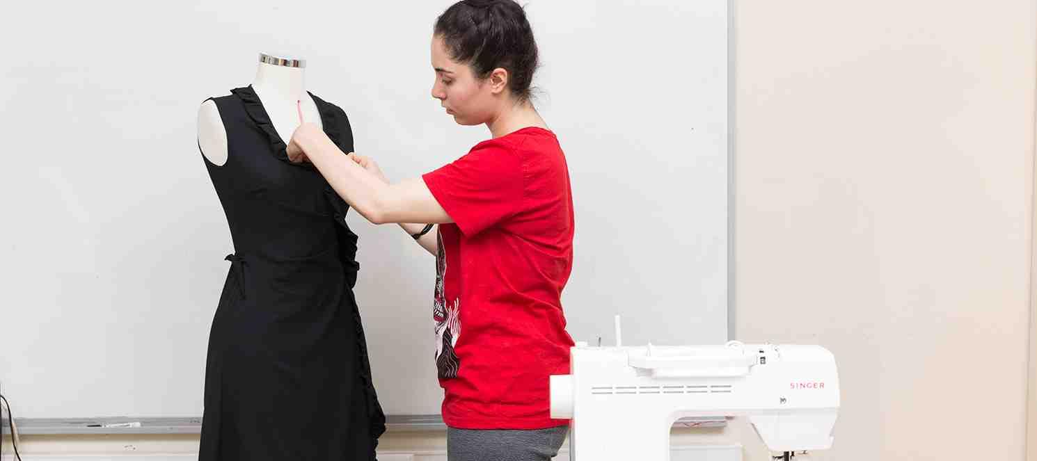 Kadın Üst Giysileri Dikimi (Drapaj Tekniğiyle Etek-Bluz-Elbise)